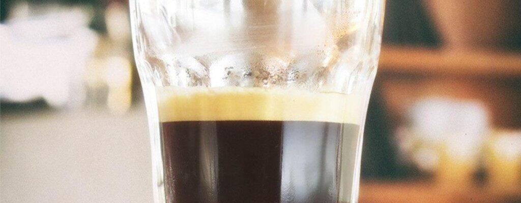 در یک فنجان قهوه چه مقدار کافئین وجود دارد؟